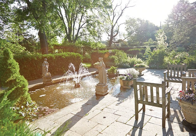 Local Experts Share Their Tips On Creating An English Garden Inspired Landscape  Design.
