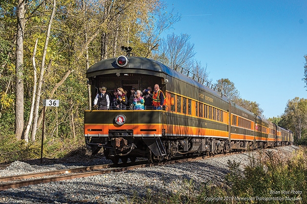 A train on the Osceola & St. Croix Valley Railway